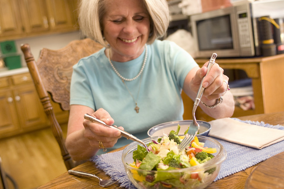 woman eating foods that help with sleep